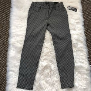 Pants - NWT Printed Patterned Ankle Fit Trousers 8